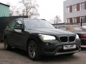 BMW X1 Black - Перетяжка потолка в итальянскую алькантару
