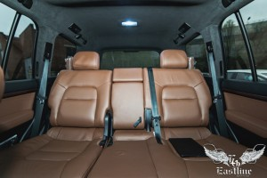 Toyota Land Cruiser 200 Brownstone - перетяжка потолка алькантарой