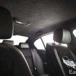 черный потолок автомобиля