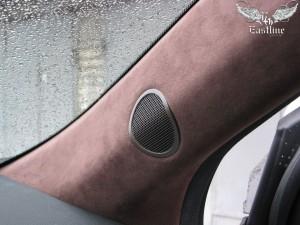 Перетяжка-автомобильного-потолка-алькантарой-2
