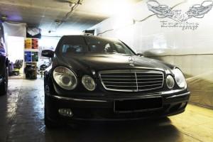 Mercedes-Benz E-class W211 – комплексная перетяжка потолка. Покраска потолочного пластика.