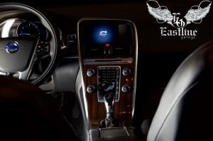Volvo XC60 – комплексный ремонт подушек и ремней безопасности. Перетяжка потолка. Изменение цвета потолочного пластика