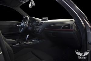 BMW 1 F20 – перетяжка потолка, стоек и солнцезащитный козырьков итальянской алькантарой цвета антрацит