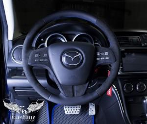 Mazda 6 - перетяжка руля и подушки в кожу и алькантару