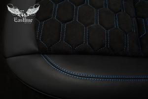 BMW Z4 – Перетяжка сидений c отстрочкой сотами. Натуральная кожа Nappa и итальянская алькантара.
