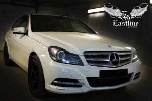Mercedes-Benz W204 - перетяжка потолка в темную потолочную ткань
