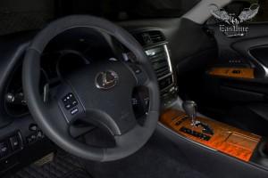 Lexus IS 250 обновление салона: перетяжка руля и ручки КПП в натуральную кожу и пошив индивидуального комплекта автомобильных ковров