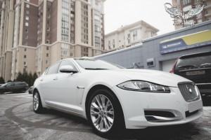 Jaguar XF пошив комплекта автомобильных ковриков из экокожи