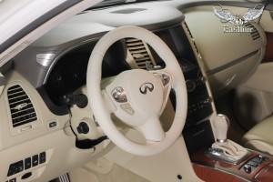Infiniti FX 37 сразу два автомобиля на перетяжку руля в натуральную итальянскую кожу
