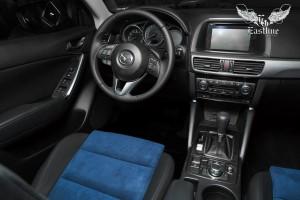 Mazda CX-5 пошив салона в экокожу и алькантару, перетяжка руля