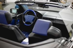 Mercedes-Benz 500 SL (R129) перетяжка потолка съемной крыши в алькантару и немецкую фактурную экокожу