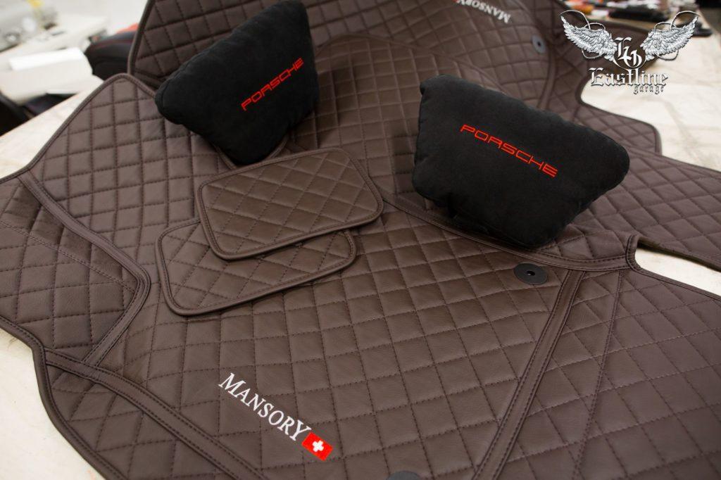 Porsche Panamera – комплект премиальных ковриков из немецкой экокожи.